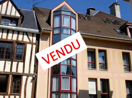 Chambre gérée par Domusvi en EHPAD au coeur de Rouen - Bail 8 ans ferme