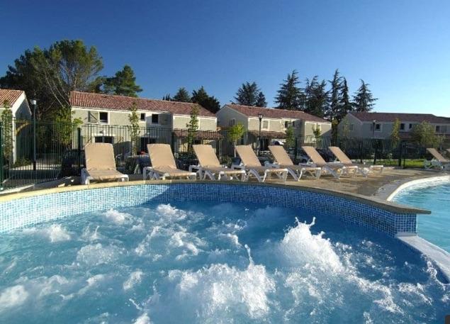 Duplex trois pièces géré par Odalys en résidence de tourisme à Vallon Pont d'Arc - Ardèche