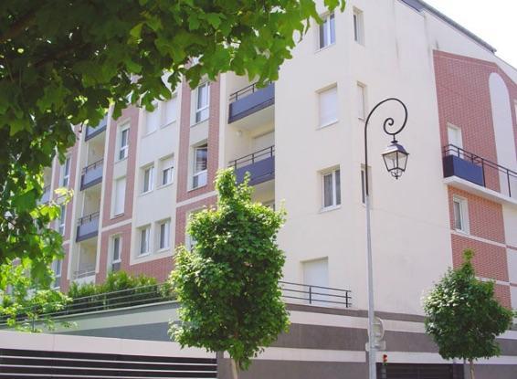 Lot de deux studios en résidence étudiante géré par la SAS Les glénans à Saint Germain en Laye